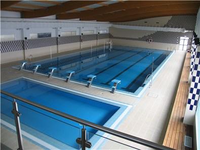la piscina cubierta de almonte inicia su nueva temporada