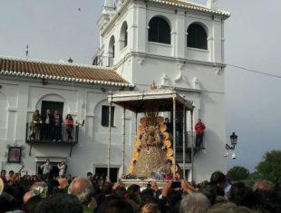 La Virgen del Rocío llega a la Casa Hermandad de la Matriz
