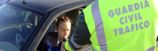 20141218 Control alcoholemia Guardia Civil Tráfico