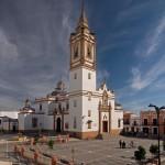01-Iglesia-de-San-Bartolomé-S.XV-XVI-y-Plaza-de-España.-Rociana-del-Condado-Huelva.