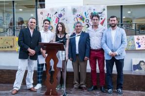 Los ganadores de esta edicion junto a los organizadores y el alcalde de Rociana (002)