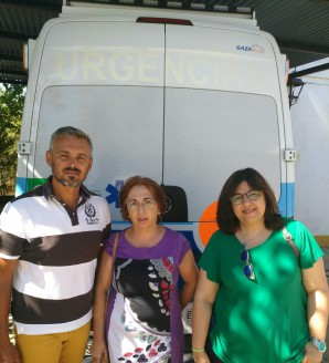 María del Carmen Manuel portavoz IU Manzanilla a la derecha junto con Grupo Municipal IU Manzanilla (002)