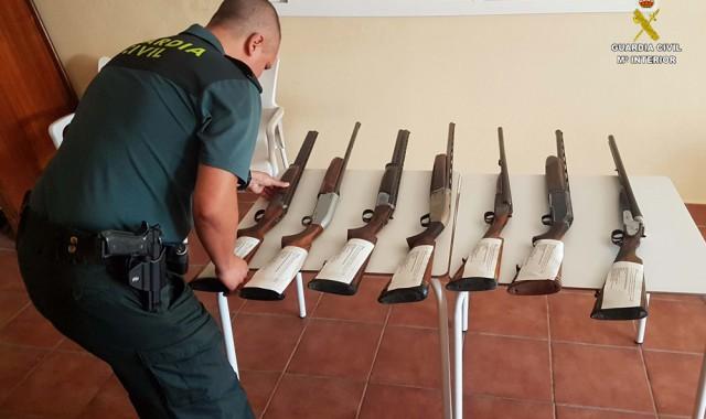 cazadores-furtivos-armas-guardia-civil
