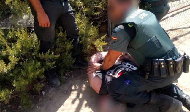 agentes-detienen-al-hombre-que-se-atrinchero-en-villalba-del-alcor-