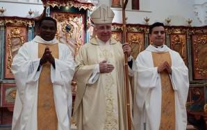 el-obispo-con-dos-nuevos-presbiteros-601x380